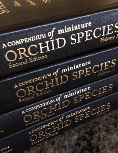 A Compendium of Miniature Orchid Species Leather Collectors Edition (6)